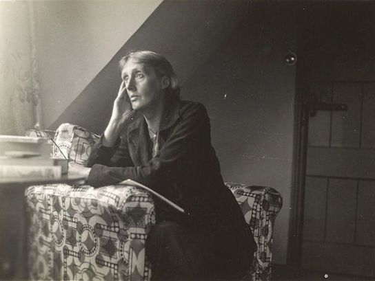 640px-Virginia_Woolf_at_Monks_house