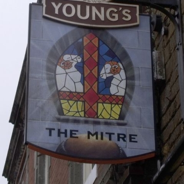 The 'Mitre' Shaftesbury, Dorset. Image: Davie John