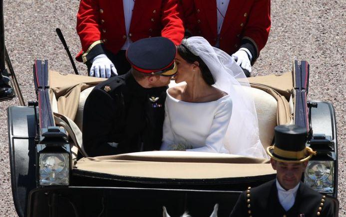 GETTY PA YUI MOK The  kiss