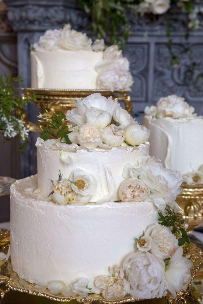 The Royal wedding-cakes