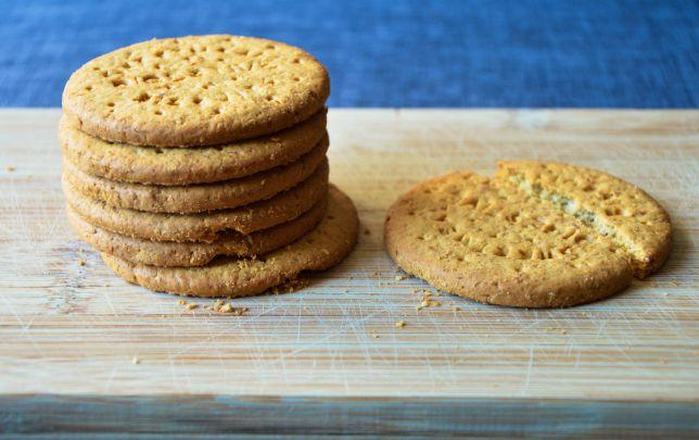 sweet-snack-crumbs-digestive